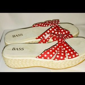 New Bass Sandals Red Gingham 9B